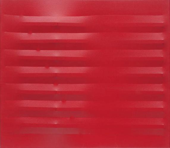 Agostino Bonalumi, Rosso, 1982, Vinyl tempera on s...